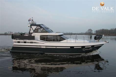 beoordeling de valk sehr positiv und professionell - Valk Yachtbrokers Loosdrecht