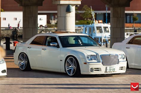 custom white chrysler 300 vip appearance of white chrysler 300 fitted with