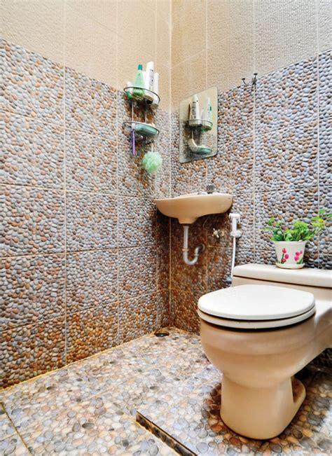 model lantai kamar mandi populer renovasi rumahnet