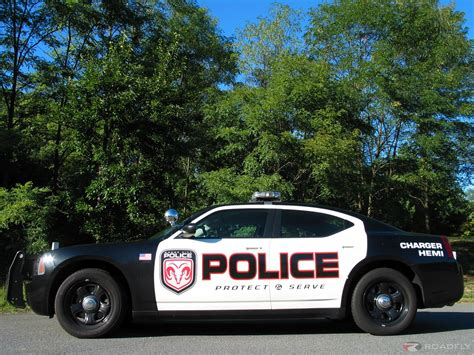 police charger 2007 dodge charger police package the bad boys get an