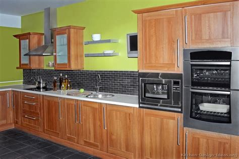 pictures of kitchens traditional medium wood golden pictures of kitchens traditional medium wood cabinets