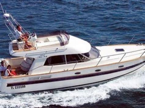 small yacht charter acm 38 motor boat rentals sailing - Small Motor Boat Rental