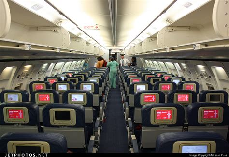 Thomson 757 Interior by N6704z Boeing 757 232 Delta Air Lines Lasse Fuss