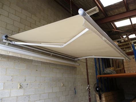 half cassette awnings with gas struts newstyle housing