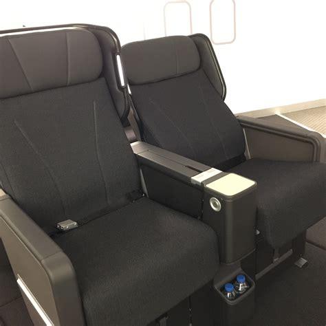 qantas airlines seats photos qantas boeing 787 premium economy seats
