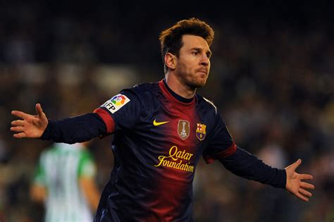 Barcelona S Messi Scores 86th Goal Of Year Breaks 40 Year
