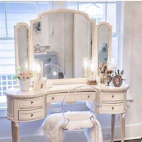 Beautiful Bedroom Vanities by 1000 Images About The Powder Room On