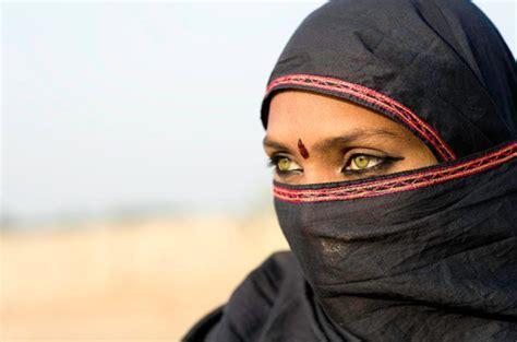 arabic green burka veil arabia burqa bur veiled desert painting ideas