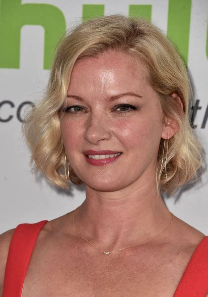 Gretchen Mol And Kristen Bell by Gretchen Mol Curled Out Bob Hairstyles Lookbook