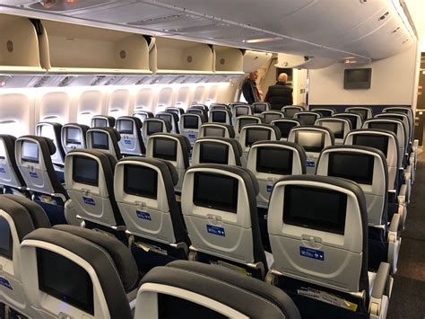 Review: United 777-300ER Economy Class Frankfurt to San ... United Airlines 777 Interior