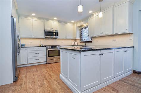 kitchen cabinets naperville kitchen cabinets naperville stylish transitional kitchen