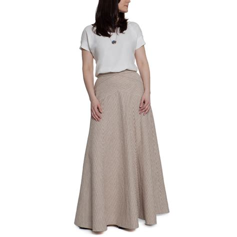 pattern for a line long skirt gabriola skirt inspiration kate middleton s lace dress