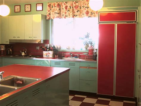 Paint Metal Kitchen Cabinets by Nancy S Metal Kitchen Cabinets Get A Fresh Coat Of Paint