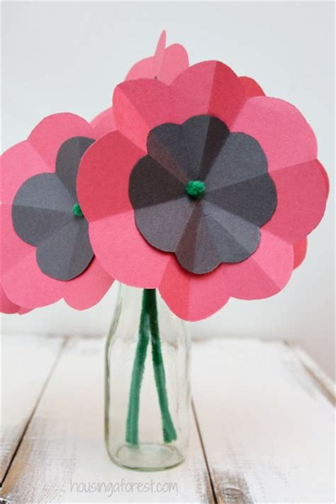 How To Make Poppies Out Of Tissue Paper - diy paper poppy housing a forest
