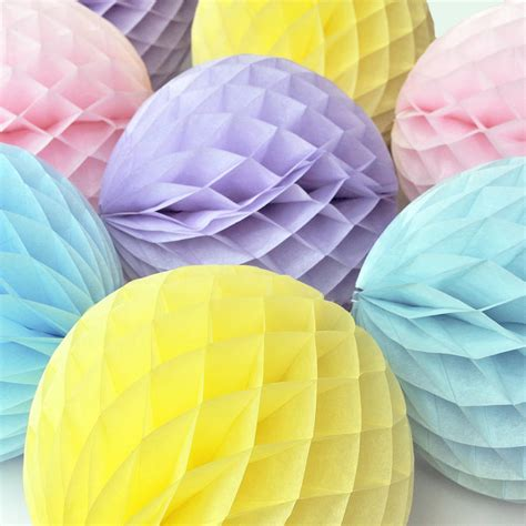 Make Paper Balls - tissue paper honeycomb decoration by blossom