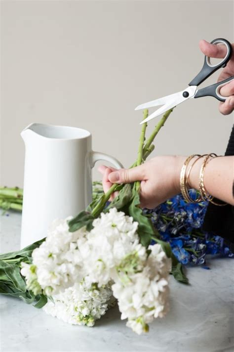 How To Keep Flowers In A Vase Alive Longer How To Keep Flowers Fresh For Longer The Sweetest Occasion