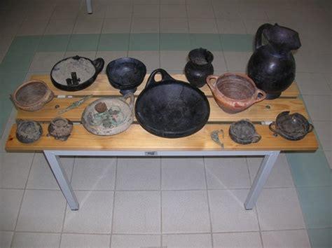 vasi etruschi valore salvi reperti etruschi e romani stavano per essere