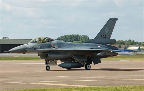 Swiss Army 16s lockheed to equip netherlands f 16 fleet with sniper atp