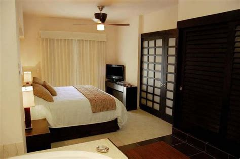hotels with two bedrooms bedroom suites at the galleria