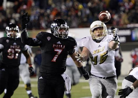 row the boat college football photos niu wmu break out alternate uniforms for maction