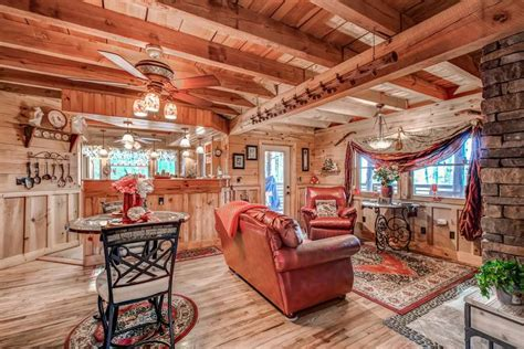 gatlinburg cabins 1 bedroom 1 bedroom honeymoon pet friendly cabin in gatlinburg