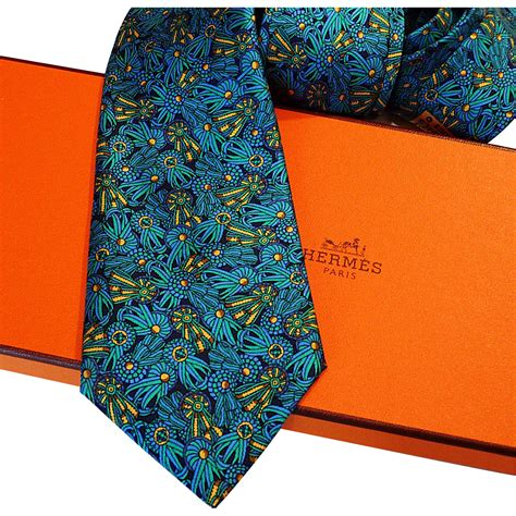 authentic pre owned hermes silk tie 7210 ua with neiman