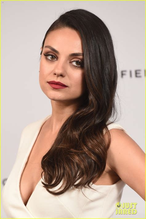 bob verne actor grey s anatomy wikipedia mila kunis looks white hot at gemfields photo call in