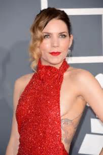Skylar Grey 2013 Grammy Awards 04 Gotceleb
