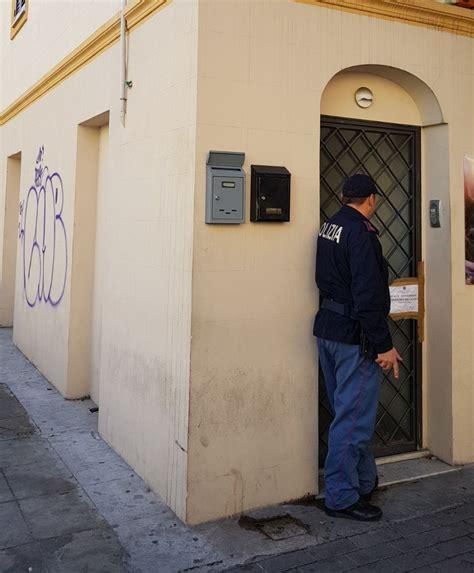 casa di appuntamento la polizia scova e sequestra una casa di appuntamento