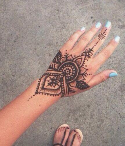 915 likes 6 comments melanie ooi henna designshenna designs tattoo mehndi design tattoo