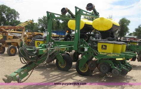 1780 Deere Planter by Ag Equipment Auction In Emporia Kansas By Purple Wave Auction