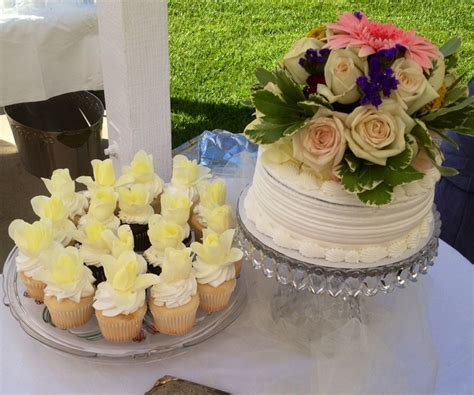 Local Bakeries For Wedding Cakes by Diy Wedding Cake 8 Inch Layer Cake From A Local
