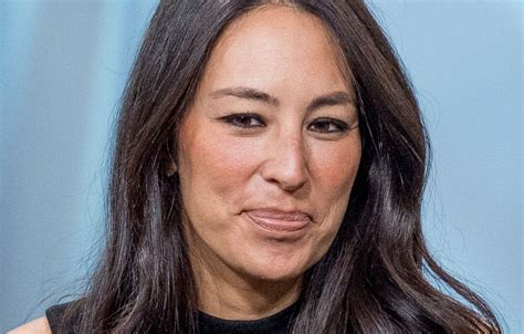 joanna gaines without eyeliner pregnant joanna gaines demands 150k an hour to sit for