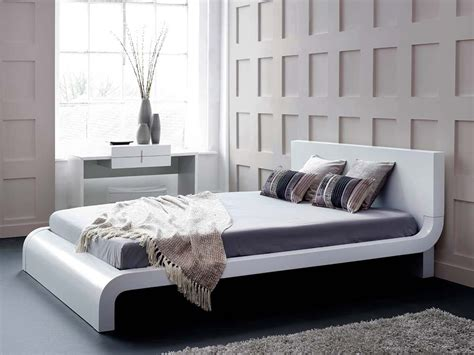 Roma White Modern Bed Platform Bed Contemporary Bed King Size Bedroom Suites