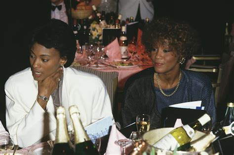robyn crawford wikipedia bobby brown confirms whitney houston s relationship with