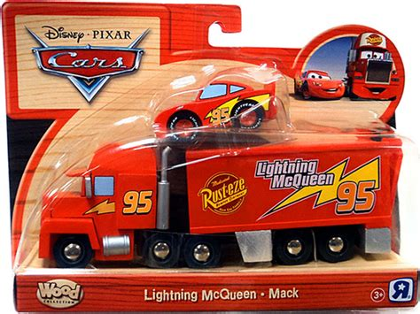 lighting mcqueen and mack image lightning mcqueen mack jpg disney wiki fandom