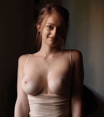 Amateur Teen Shaking Her Tits Back And Forth 5starnudes