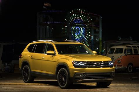 vw atlas  drive   seater suv  dethrone explorer gearopen