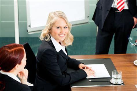 Bewerbung Praktikum Jura Anwalt Ein Praktikum Beim Rechtsanwalt Machen So Hinterlassen Sie Als Jura Student Einen Nachhaltigen