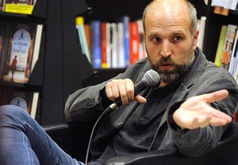 libreria mondadori castellammare di stabia castellammare lorenzo marone presenta il suo libro da