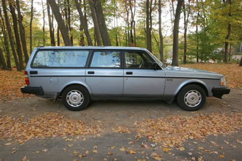 1992 volvo wagon 1992 volvo station wagon 240 dl used runs color