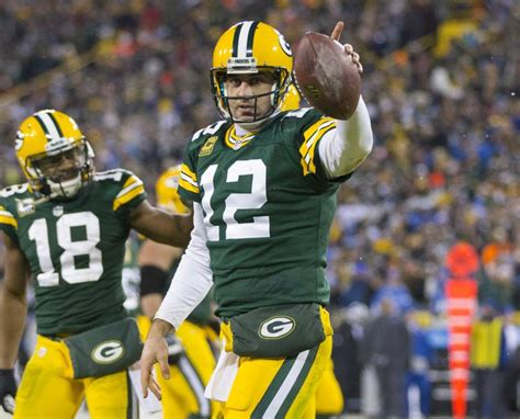 aaron rodgers of green bay packers defends leadership style nfl news rumors green bay packers qb aaron rodgers fear