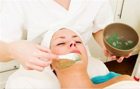 Masker Peel Aloe Vera For Sensitive Skin Masker Topeng Instan 10 easy peasy home made masks with aloe vera for skin treatment
