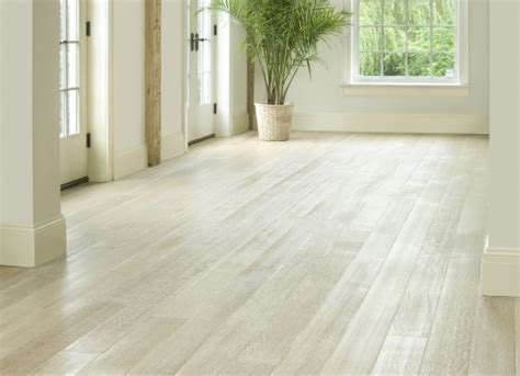 the benefits of using white oak flooring adictivo