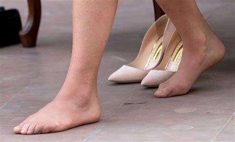 Pedicure Untuk 1 Orang tinggalkan kaki kate sendiri til cantik