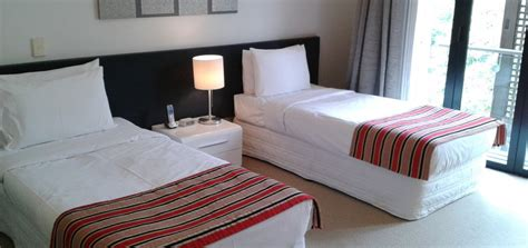 3 bedroom serviced apartments 3 bedroom 2 bathroom split level apartment latitude 37