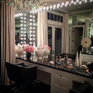 Corner Vanity Table Bedroom Khloe Kardashian S Glam Room Get The Look So Sue Me