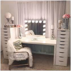 Makeup Vanity Makeover Best 25 Makeup Vanities Ideas On Bedroom