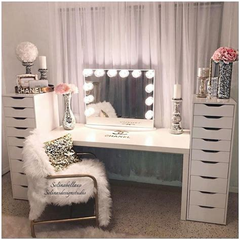makeup vanity ideas for bedroom best 25 makeup vanities ideas on bedroom makeup vanity makeup desk and vanity area