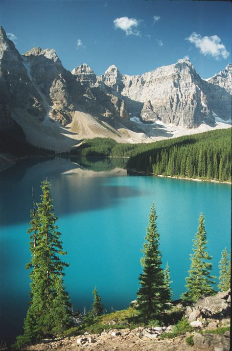 moraine lake alberta vacation pictures